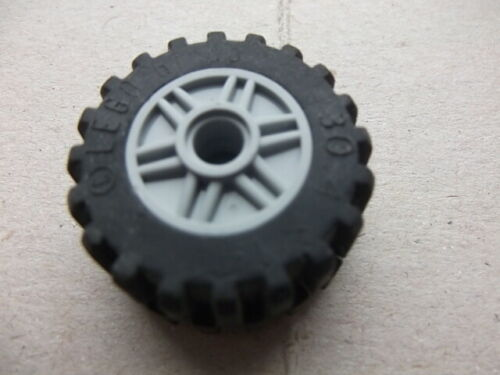 x1 Lego-55981-wheel 18x14 with pinhole+30391-tyre 30.4 x14 no central band