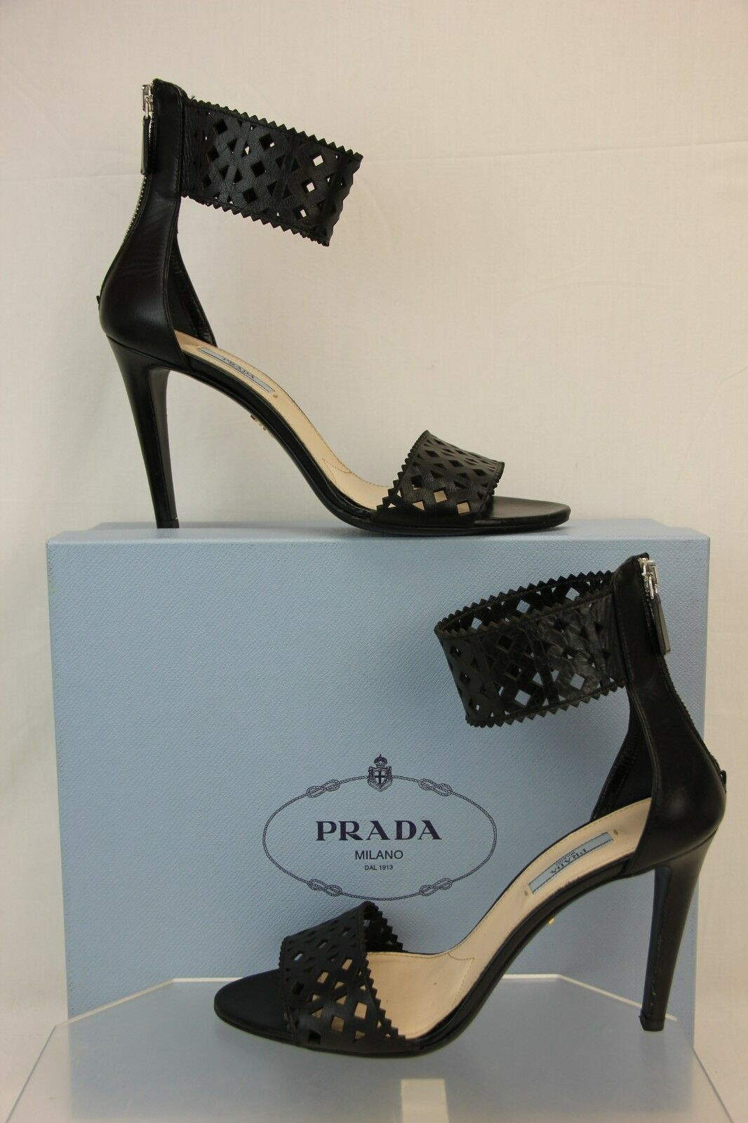 NIB NIB NIB PRADA schwarz LEATHER ANKLE WRAP CUFF LASER CUT OUT ZIP SANDALS PUMPS 41 8172e5