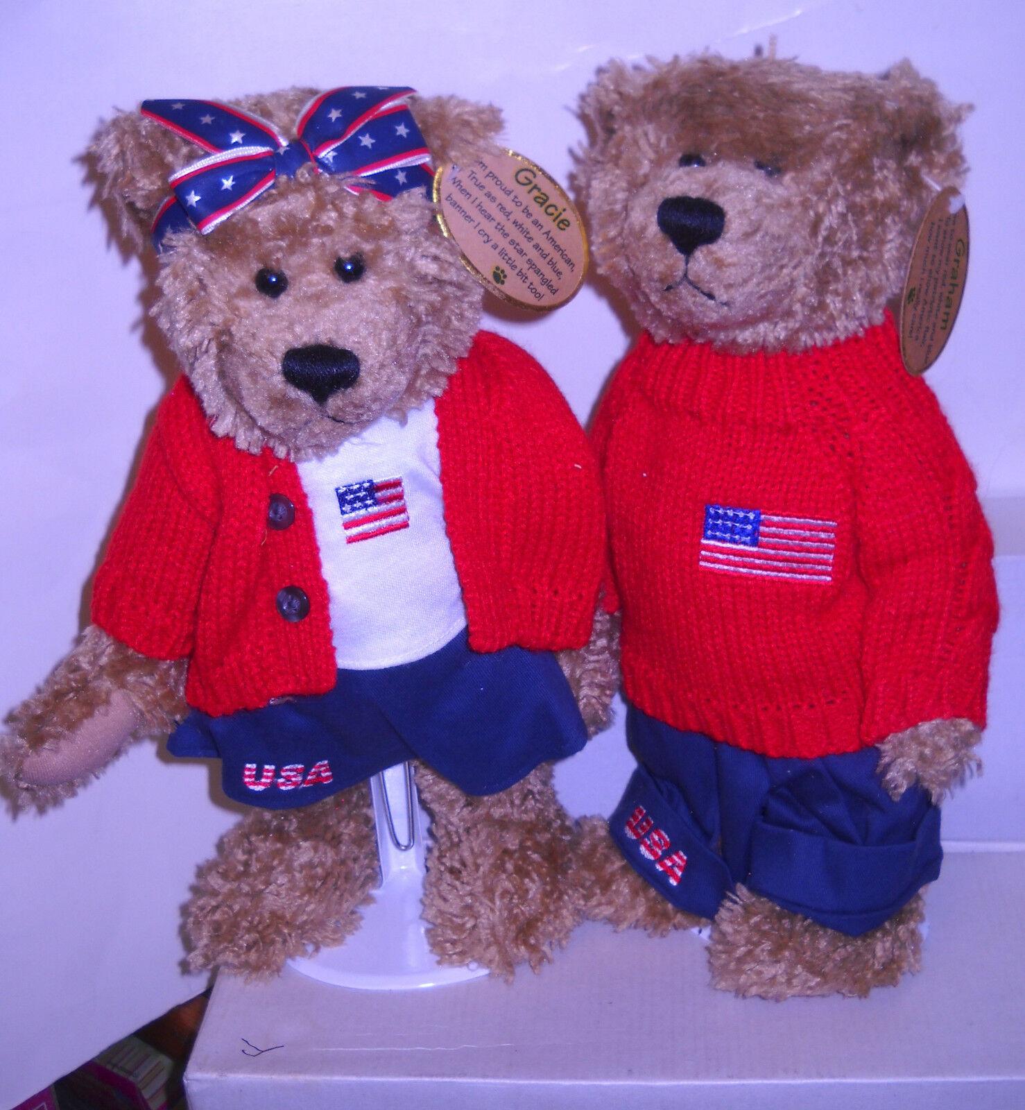 8346 NWT Progressive Plush Set of 2 Gracie & Graham USA Dressed Bears w Stands