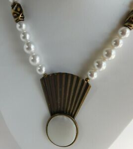 Vintage-Art-Deco-MOP-Mother-of-Pearl-Gold-Tone-Faux-Pearl-Statement-Necklace