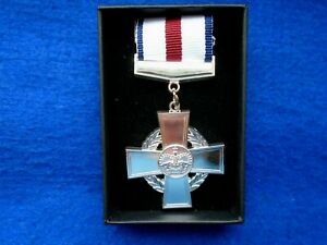 ERII-CGC-CONSPICUOUS-GALLANTRY-CROSS-FULL-SIZE-MEDAL-PRESENTATION-BOX-REPRO