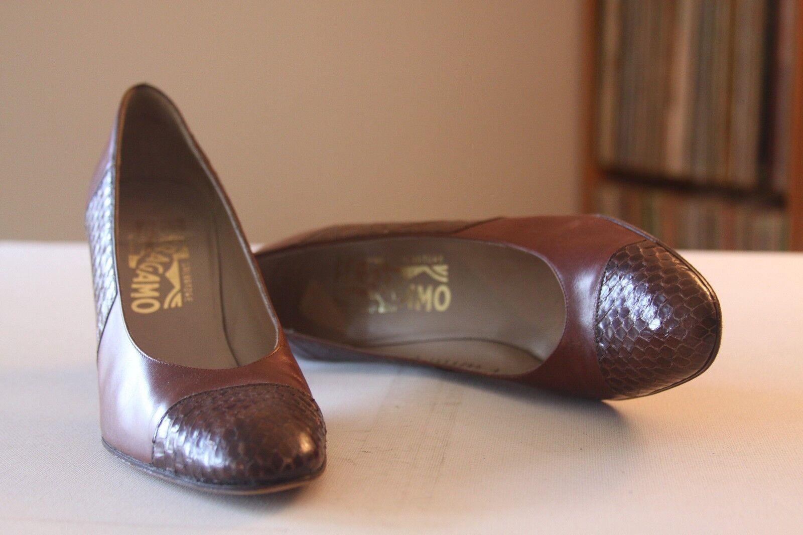 Salvatore Ferragamo Braun Leder Snakeskin 3 Inch Heel Pumps Größe 7 AAAA