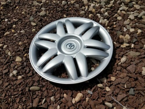 """Set of 4 New 2000 00 2001 01 Camry 15/"""" Hubcaps Wheel Covers 61104 Free Shipping"""