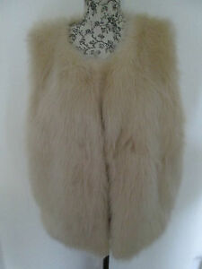 HEARTS-AND-BOWS-CREAM-FAUX-FUR-CLASP-FASTNING-100-POLYESTER-GILET-Size-14