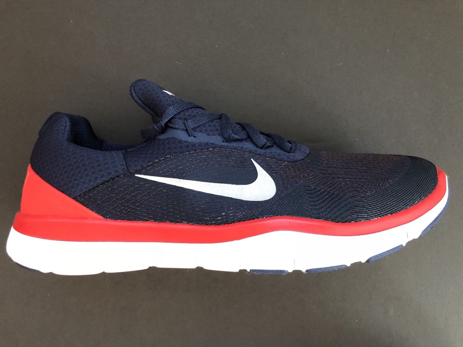 Nike New England Patriots Free Trainer V7 Ltd Edition Shoes AA1948-404 Size 11.5