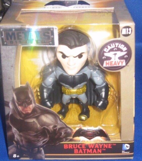 """JADA TOYS 97706 DC COMICS BATMAN v SUPERMAN 4/"""" BRUCE WAYNE BATMAN FIGURE"""