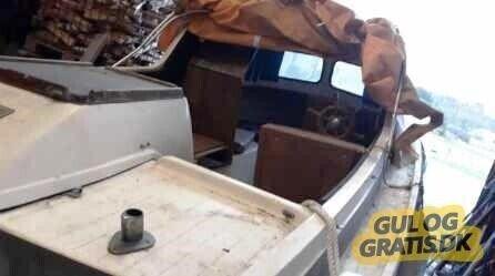 Styrepultbåd, Crescent 525