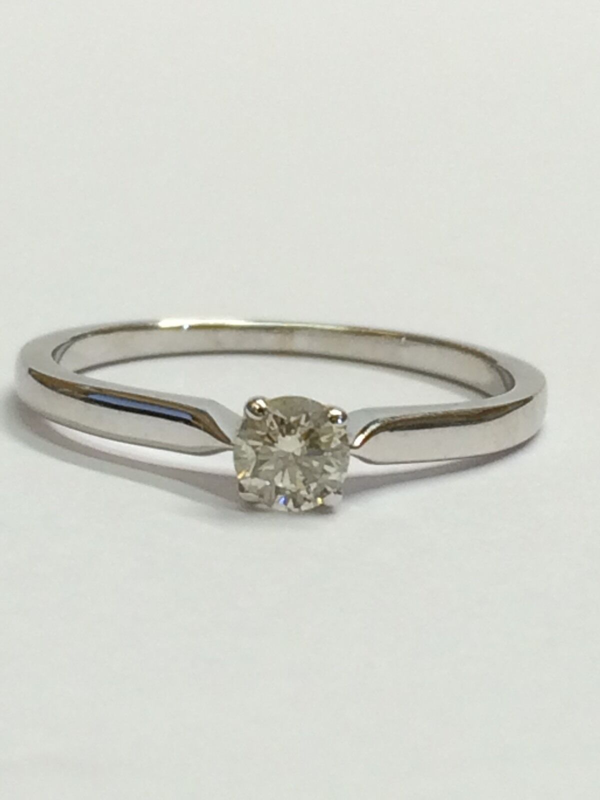 0.25ct Diamond Solitaire Engagement Ring - I SI- 9ct White gold - Size N - 1.52g