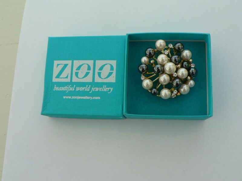 """zoo"" Jewellery Pearl Brooch Elegant Design Boxed"