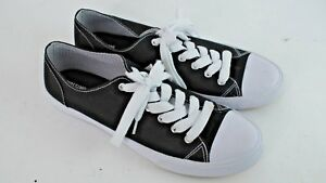 Mossimo-Womens-Black-and-White-Sneakers-Casual-Shoe-Size-10-EUC