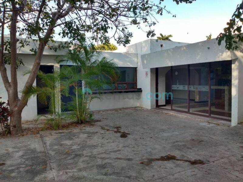 Casa para Comercio sobre Avenida en la Colonia México
