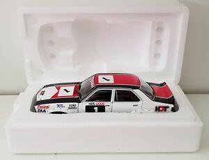 1-18-Scale-AutoArt-Bond-Harvey-1976-Bathurst-Holden-LH-Torana-SLR5000-L34-Opt