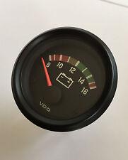 VDO Cockpit international Voltmeter Spannungsanzeige