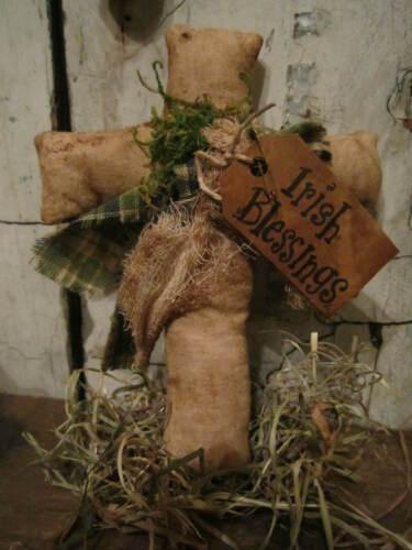 Primitive Spring St Patrick/'s day Cross IRISH basket Shamrock bowl box filler