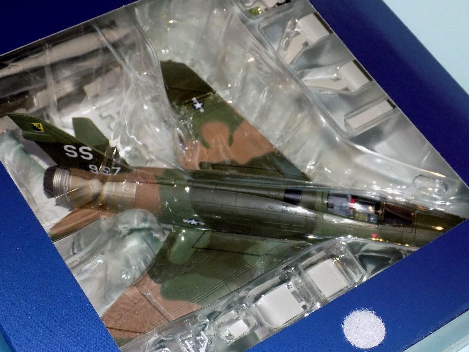 F-100D SUPER SABRE 380TFS  Thor's Hammer vietnam 1970 HOBBY MASTER HA2110 1 72