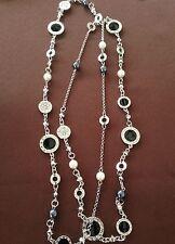 Collana lunga cl. Argento con perle e cerchietti neri e strass Idea Regalo