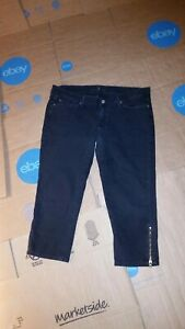 7-for-all-mankind-capri-pants-size-32