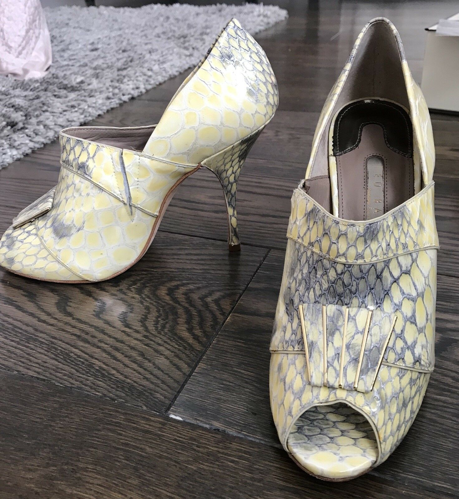 Gentleman/Lady Armani ladies shoes High quality and low overhead Price Settlement Price overhead Beautiful and charming c69fdb
