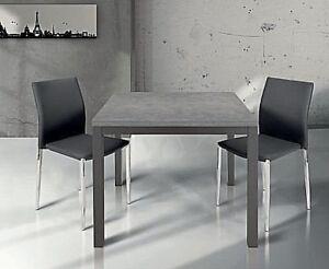 Tavolo-quadrato-allungabile-a-libro-legno-grigio-struttura-metallo