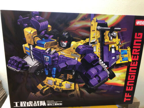 IN STOCK NBK Devastator Transformation Oversize Action Figure with box