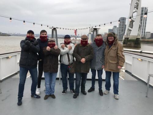 Très chaud épais polaire avec togle. West Ham snoods garder au chaud sur les terrasses