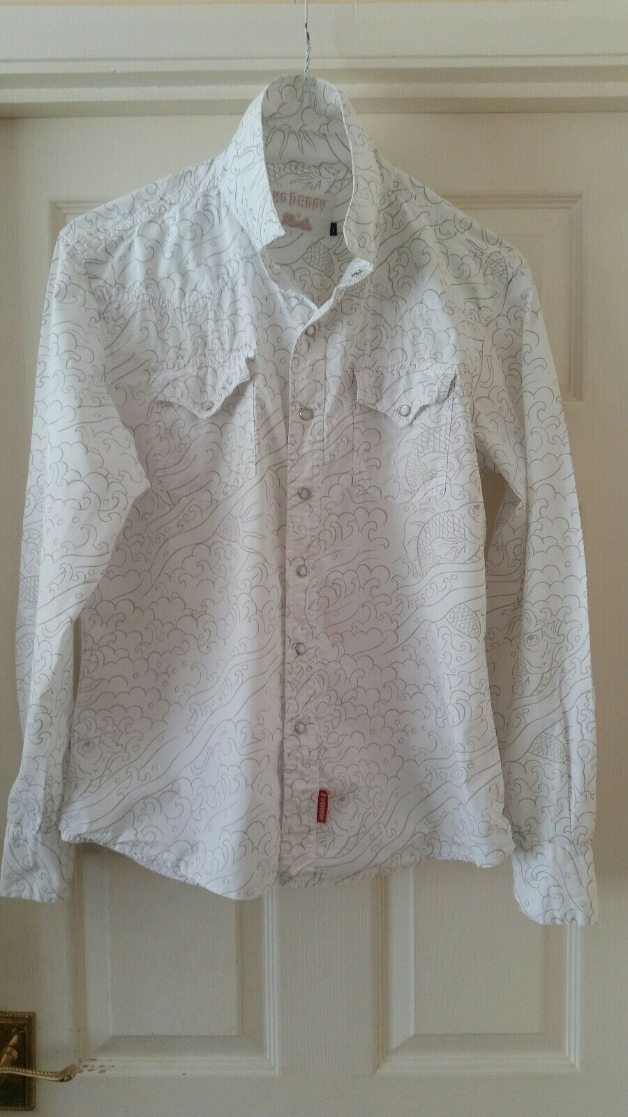 Rare Mens white Mambo long sleeved shirt. SML. Immaculate.