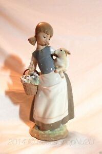 LLARDO-GIRL-with-LAMB-MODEL-4835-GLAZED-PORCELAIN-FIGURINE-MINT-CONDITION