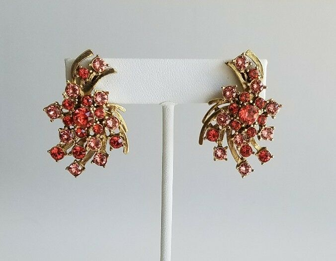 OSCAR DE LA RENTA Multi Crystal Button Earrings NEW  290