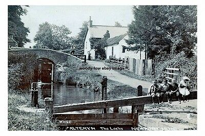 rp15261 - The Locks , Alteryn , Newport , Monmouthshire , Wales - photograph