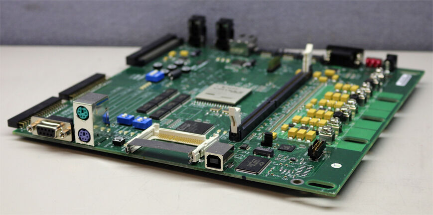 Digilent Xilinx Research Labs XUP Virtex-II Pro Development System Board