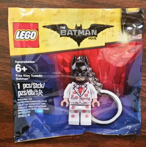 Lego 5004928 The Lego Batman Movie Kiss Kiss Tuxedo Batman Keychain Polybag New