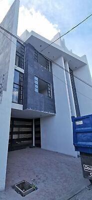 Renta de edificio para oficinas o departamentos en Colonia Santa Julia, Pachuca, Hidalgo.