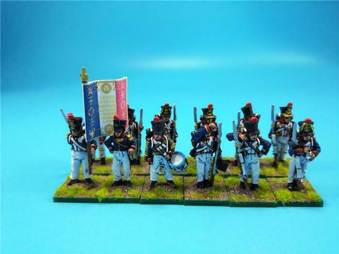 28mm Napoleonic painted French Line Fusiliers  steing at ease Fre07  goditi il 50% di sconto
