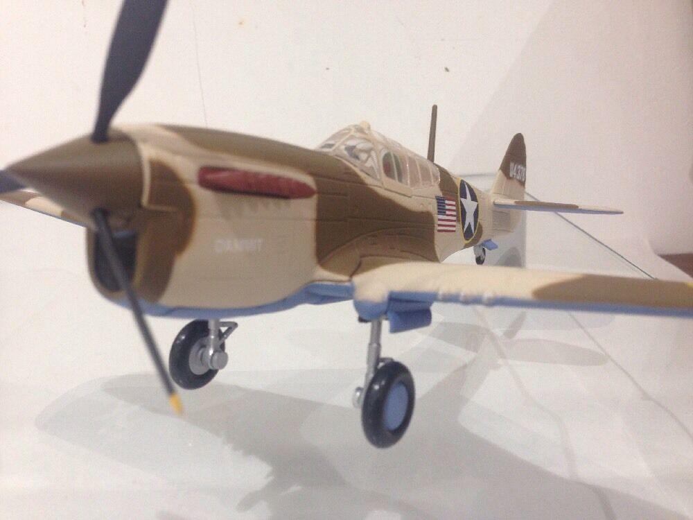 P-40F Warhawk damit LT Bill día 148 Armadura