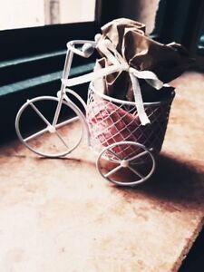 20-Bomboniera-Matrimonio-Battesimo-comunione-con-gadget-bicicletta