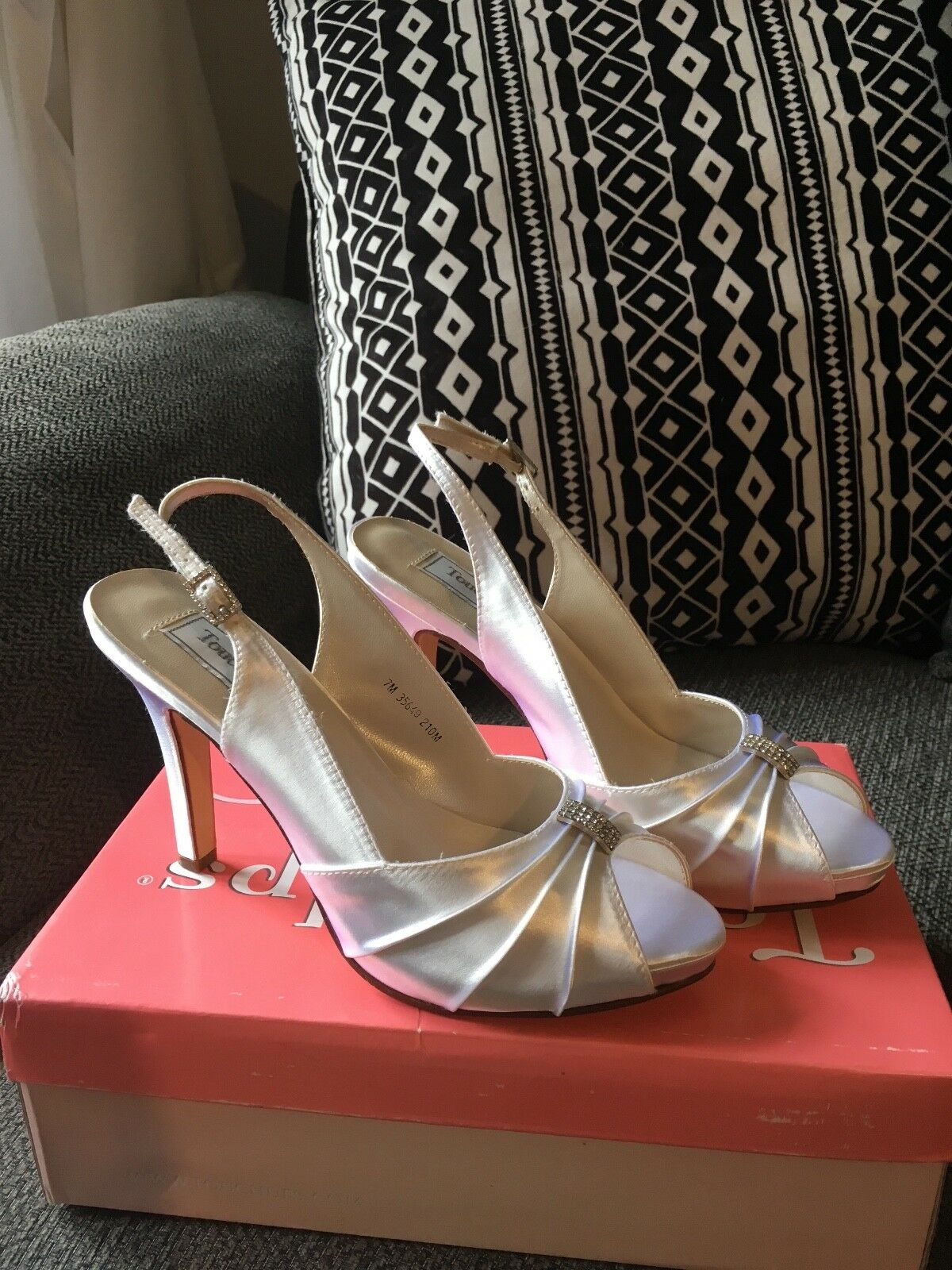 Touch Ups 'Iris' bridal shoes size 5. New.