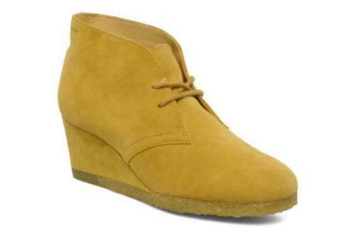 BNIB Clarks Originals Ladies Yarra Desert Yellow Suede Wedged Ankle Boots