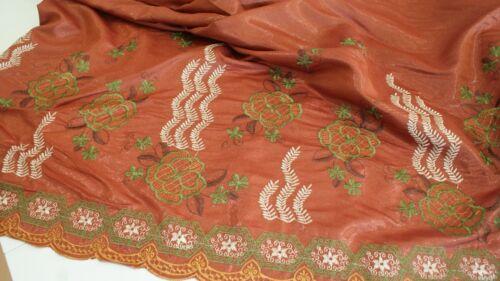 Bestickter Stoffe Dirndlstoff Kleiderstoff mit feine Stickerei KT1487