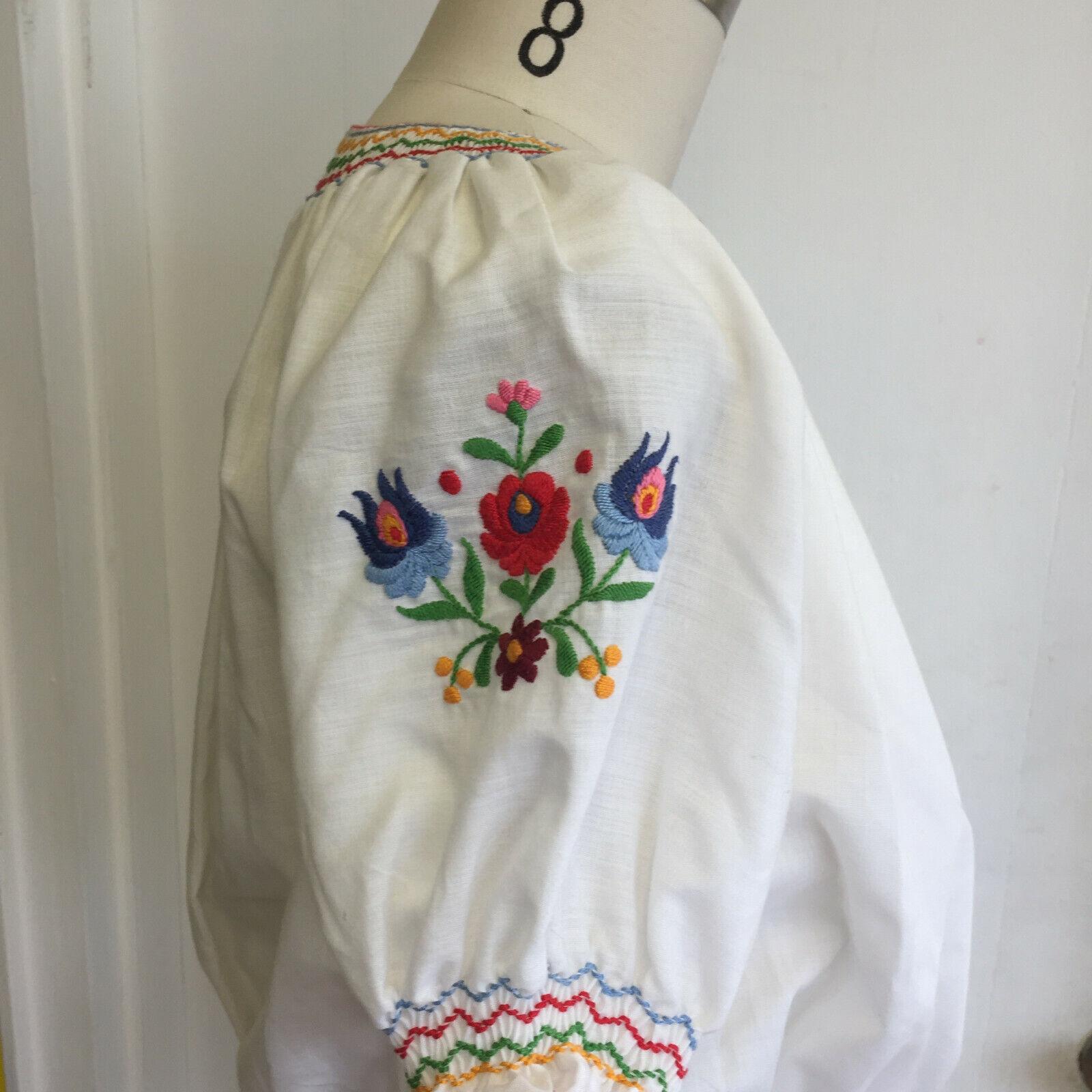 Vintage Hungarian Blouse Unworn Embroidered Peasa… - image 3