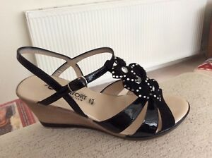 831ae093128 Details about Ladies wedge sandals, colour black patent and suede. Size 6.  Worn once.