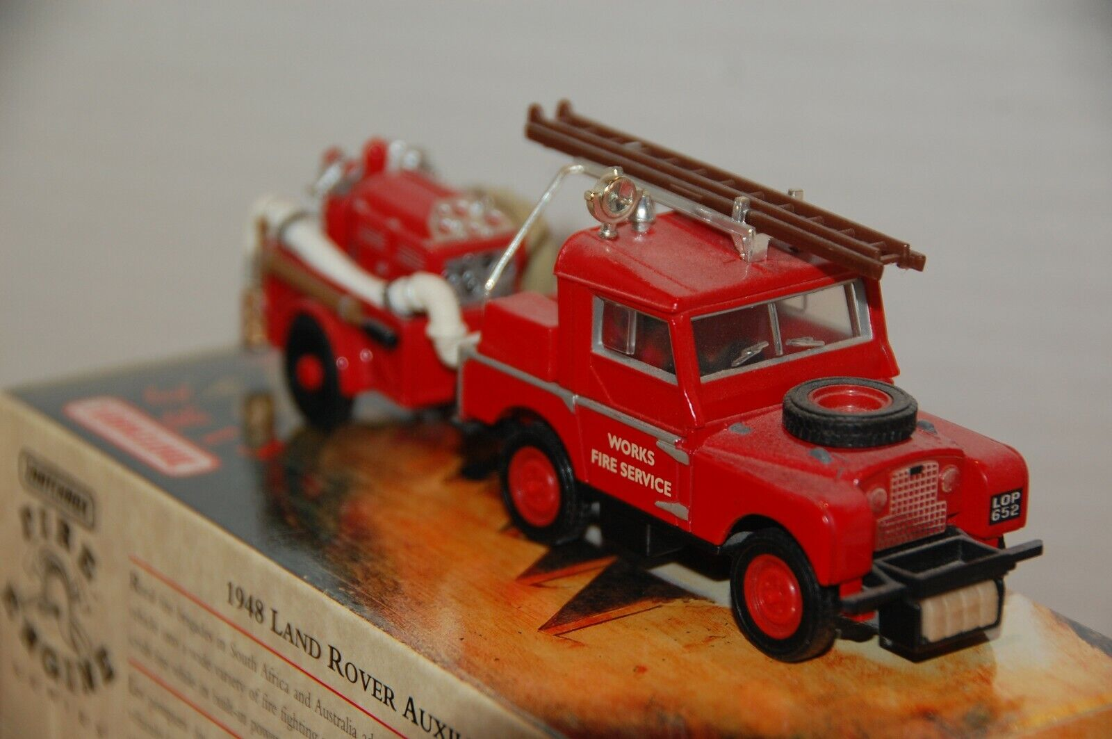 1993 MATCHBOX MODELS OF YESTERYEAR YFE02 1948 Land Rover Aux