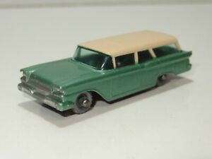 Matchbox-31-AMERICAN-FORD-STATION-WAGON-with-silver-plastic-wheels-SPW