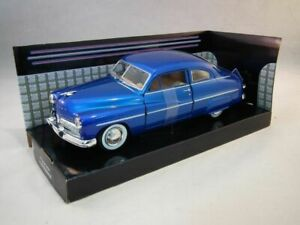 Mercury-Coupe-1949-Blue-Classic-Metal-Model-Car-Motormax-1-24