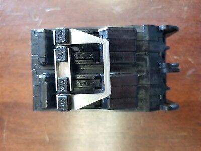 QUAD BREAKER TR23030 G.E