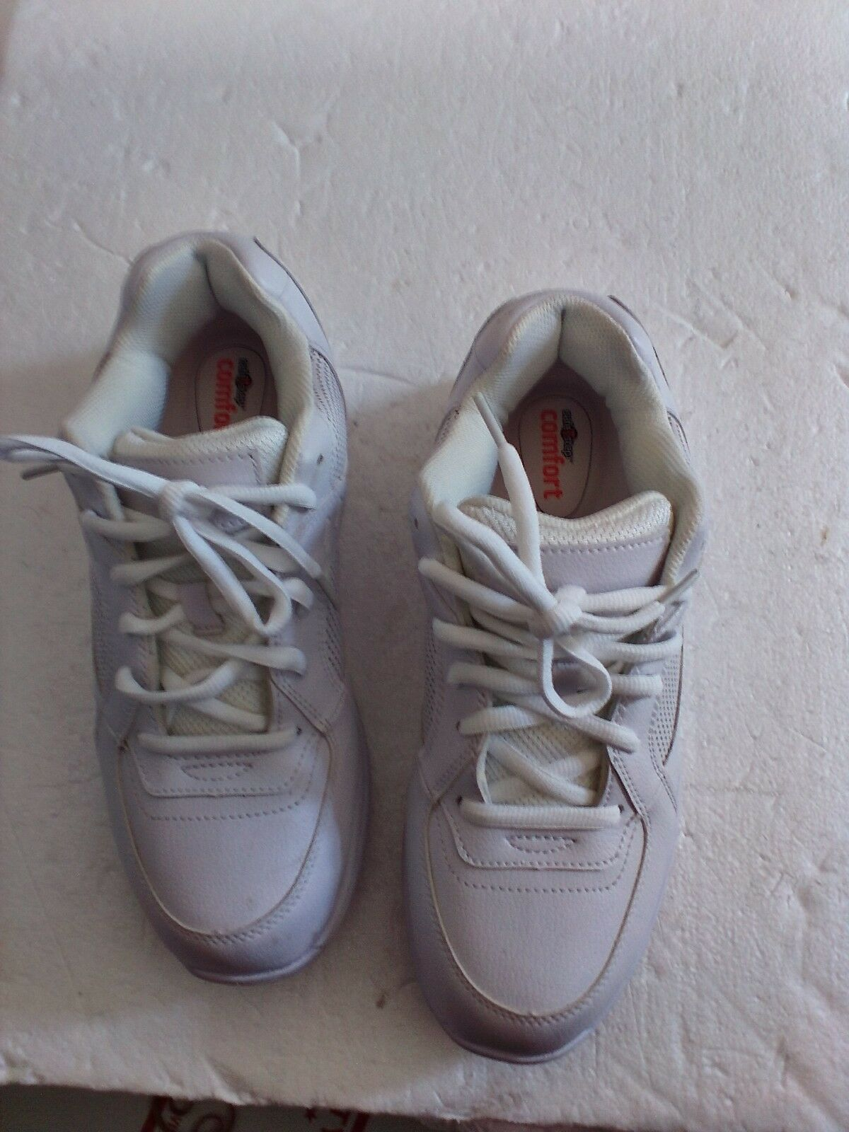 SAFETSTEP COMFORT SHOES 9 MENS WALKING SHOES WHITESIZE 9 SHOES 1/2 MED 19a158