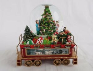 Thomas Kinkade Snow Globe Train Wonderland Express Deck Halls