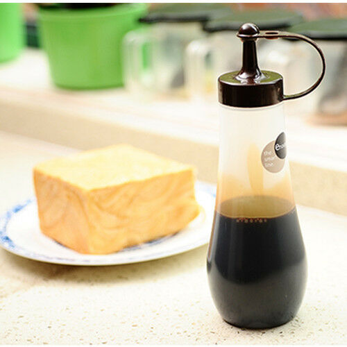 Truyoo Kitchen Plastic Squeeze Dressing Bottle Dispenser Cruet for Sauce Oil