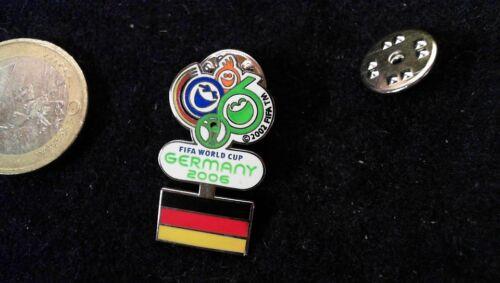 DFB Pin Badge Nationalmannschaft WM World Cup 2006 Deutschland Flagge unten FIFA