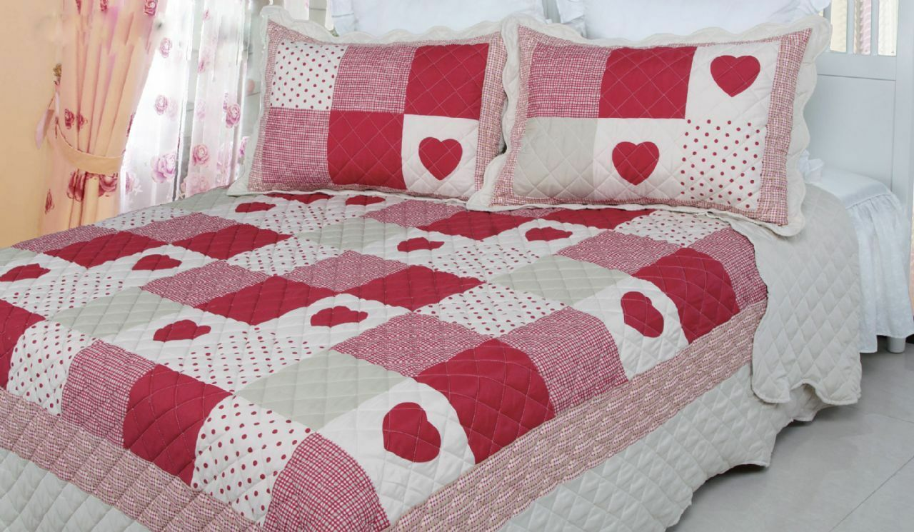 Brand New  Country Traditional Hearts Spots Red White Patchwork Quilt Bedspread
