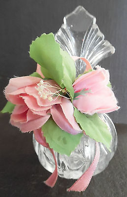 Beautiful Vintage Crystal Glass Round Perfume Bottle w/ Stopper & Two Roses Leaf